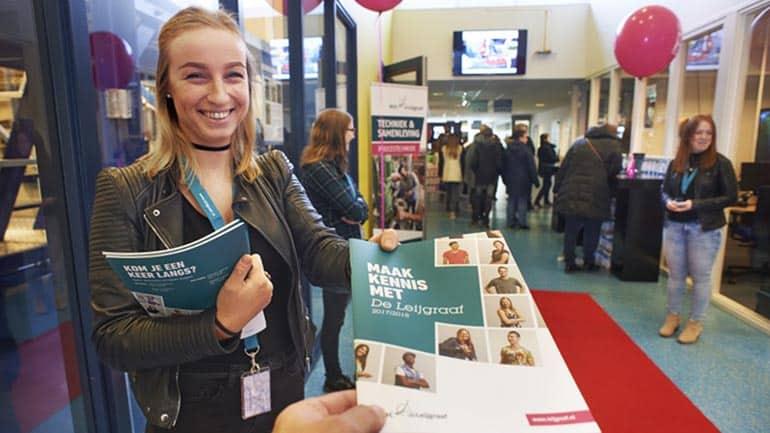 ROC de Leijgraaf ontvangt eerste digitaal ondertekende onderwijsovereenkomst